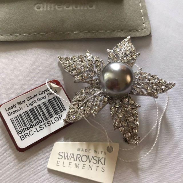 Swarovski silver with pearl brooch