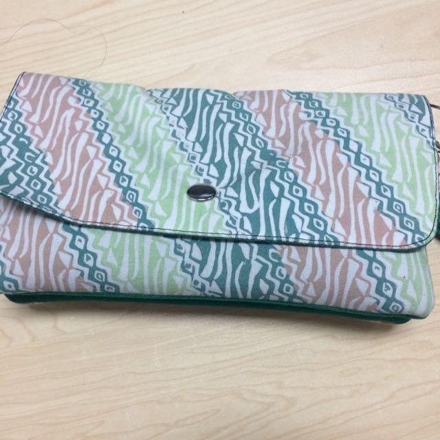 Tas sling bag or wallet