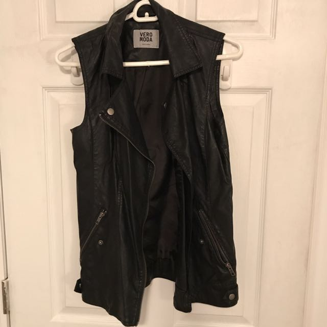 Vegan leather vest size small