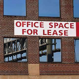 Spacious service office for rent