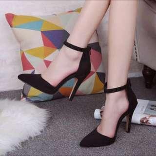 High heels (black)