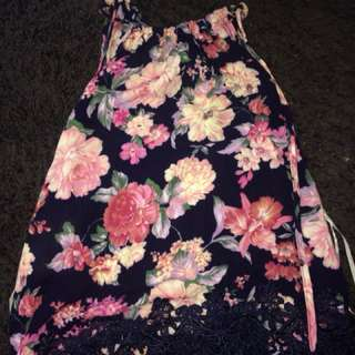 CUTE FlORAL TOP WITH LACE