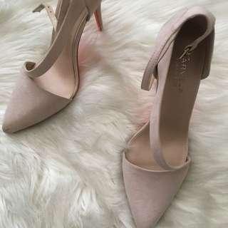Carvela heels in box new