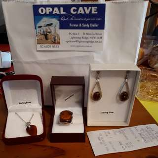 Jewellery set opal