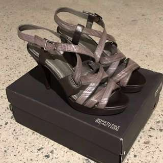 📌Price drop! Kenneth Cole strappy shoes size 39