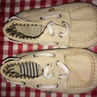 Sepatu baby merek Bubble gummers