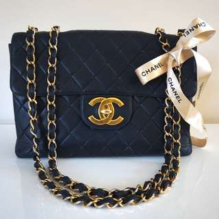 Authentic Vintage CHANEL JUMBO FLAP BAG