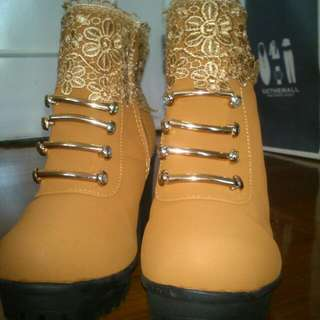 Ankle Boots With Lace (Size 36 or 37)