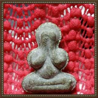 Phra pidta Lp thongsuk wat saphansoong