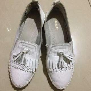 🌺(二手)白色流蘇休閒鞋 平底鞋 厚底鞋