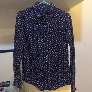 UNIQLO blue floral long sleeves