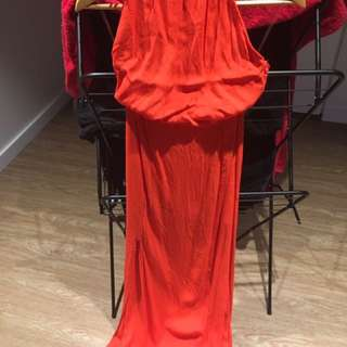 Maxi dress with sexy split