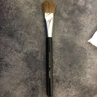 Napoleon Perdis Artis Foundation Brush 19b