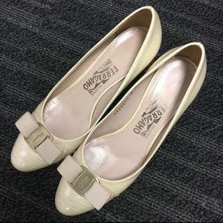 Ferragamo Women shoes (size 7.5(C); 5cm heel)