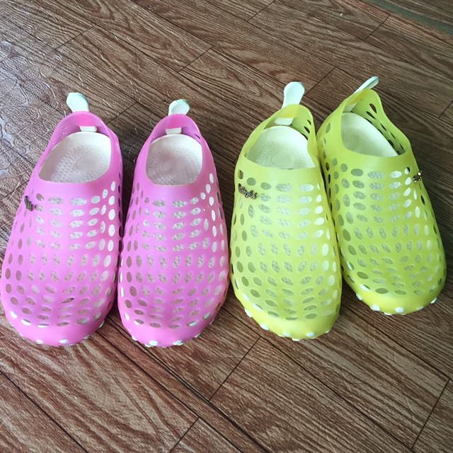 2pairs Rubber rainy shoes sizes 32&34