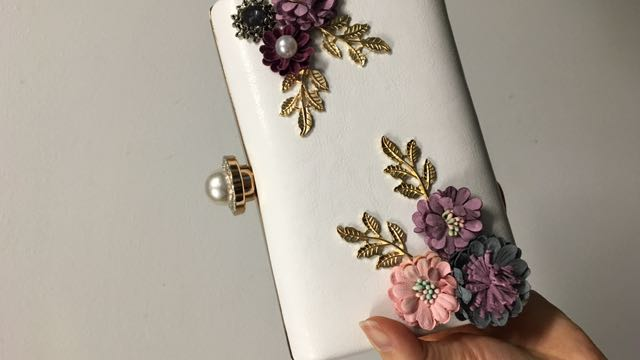 3D flowers white clutch wallet with chain