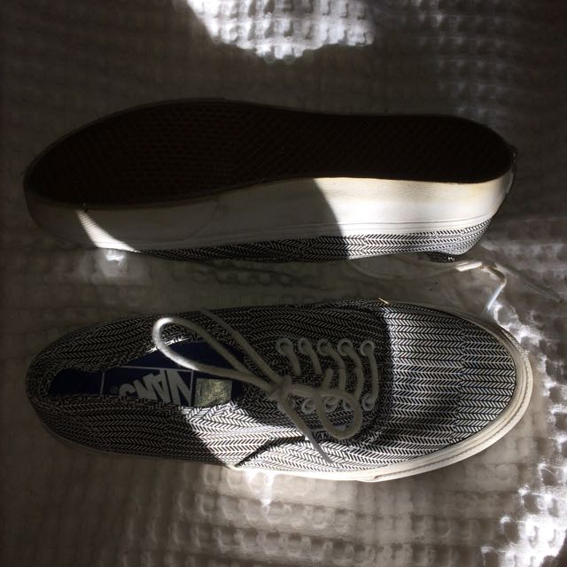Black and white VANS size 7.5