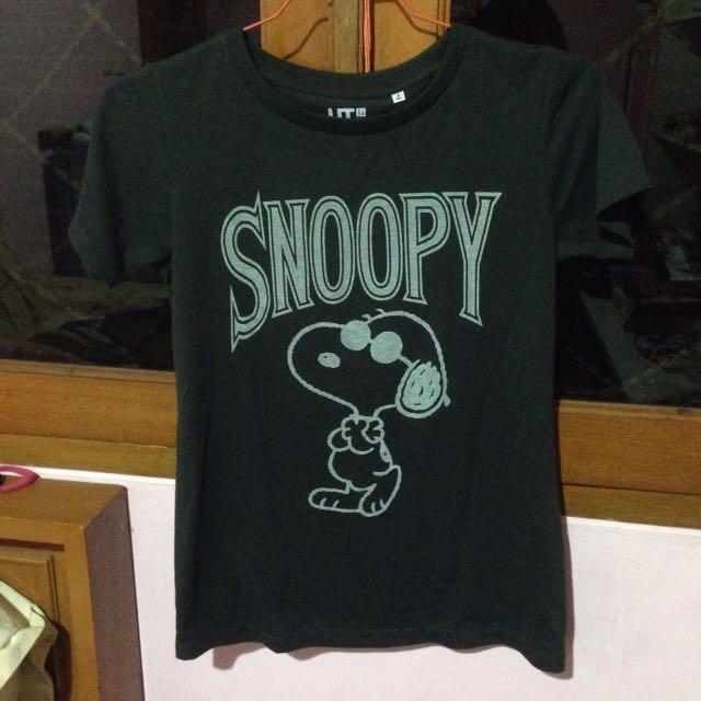 Black Snoopy T-shirt,kaos Snoopy (merk Uniqlo 100% Ori)