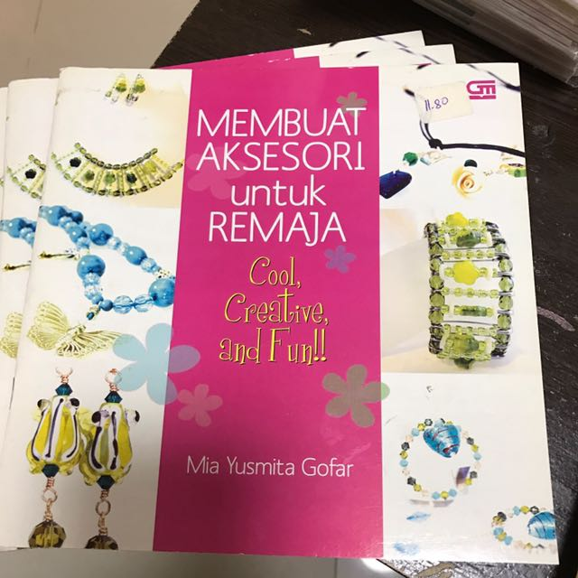 Bn beading book for teens in bahasa indonesia books stationery photo photo photo photo m4hsunfo