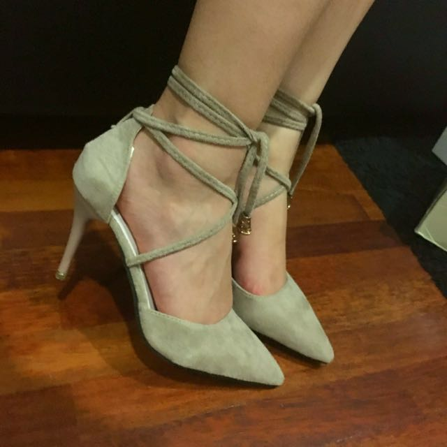 BRAND NEW Nude Lace Up Heels