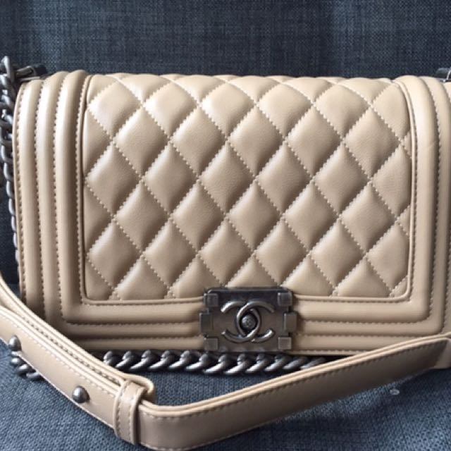 Chanel boy beige