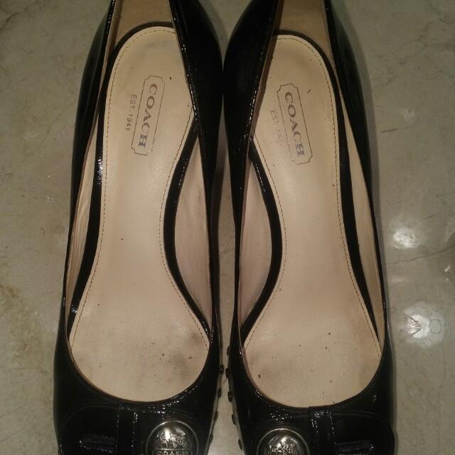 COACH peep toe shoes - size size 7