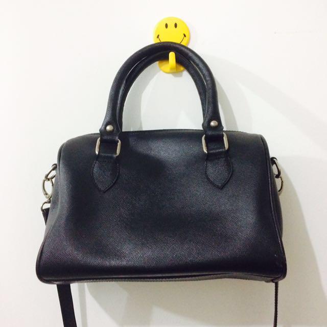 Coup Belle Shoulder Sling Bag