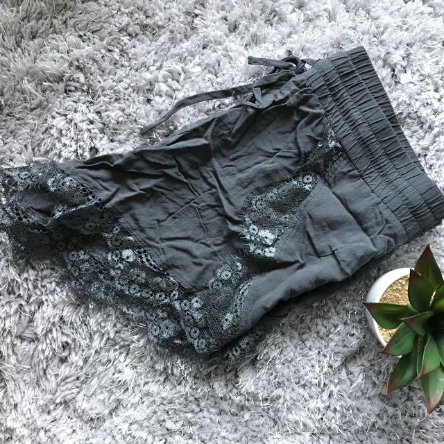 Cute Lace Trimmed Vero Moda Shorts