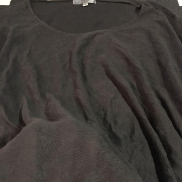 Dark grey thin jumper