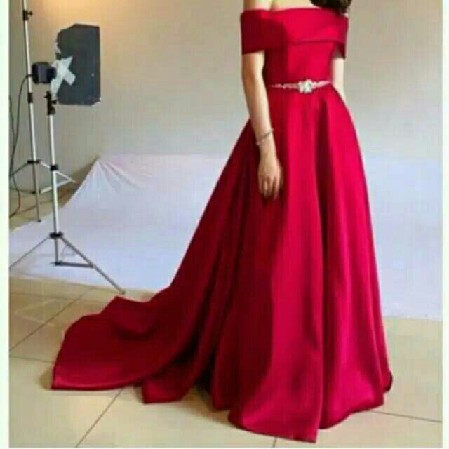Dress Merah Pesta Elegant