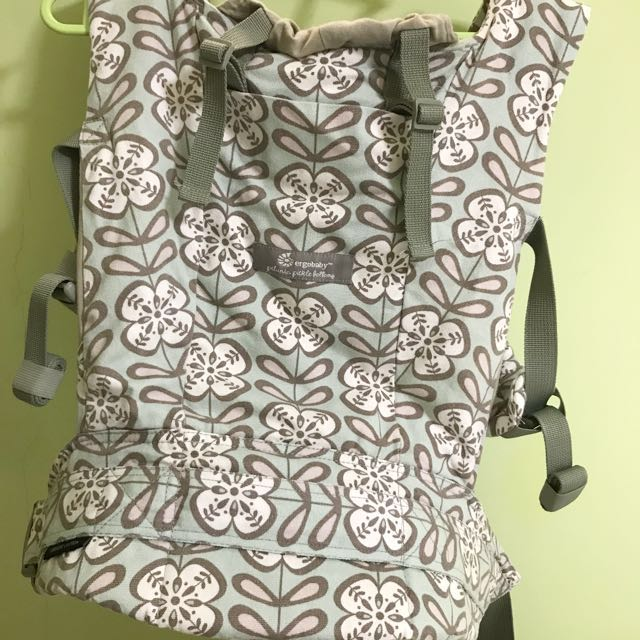 fe00822ce95 Ergobaby Petunia Pickle Bottom Carrier