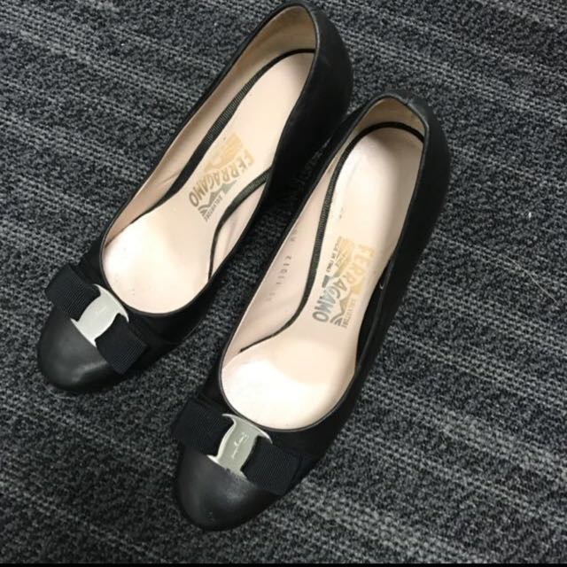 Ferragamo Women shoes (size 7.5(C); 8cm heel)
