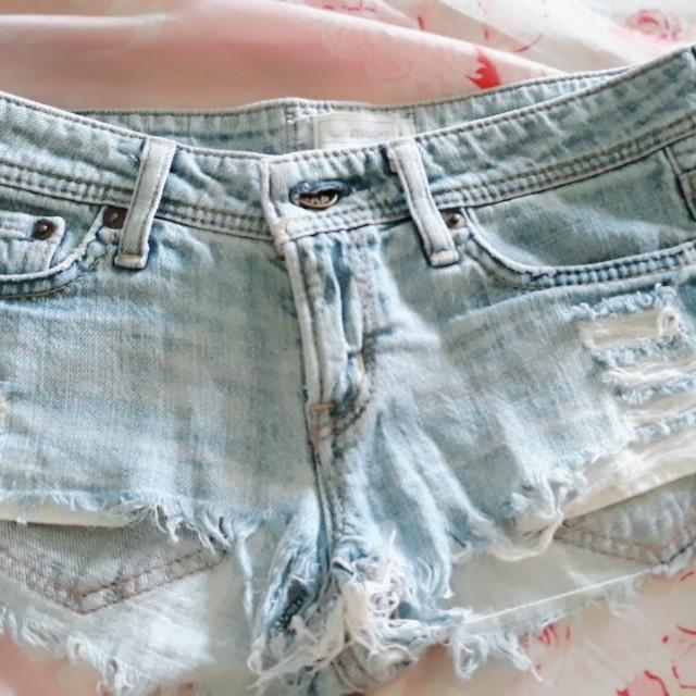Gap sexy denim shorts
