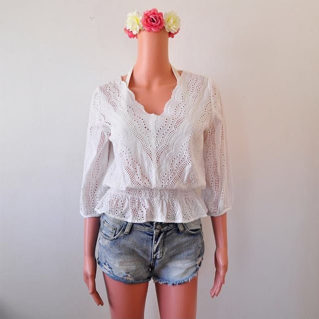 LACE CROCHET TOP