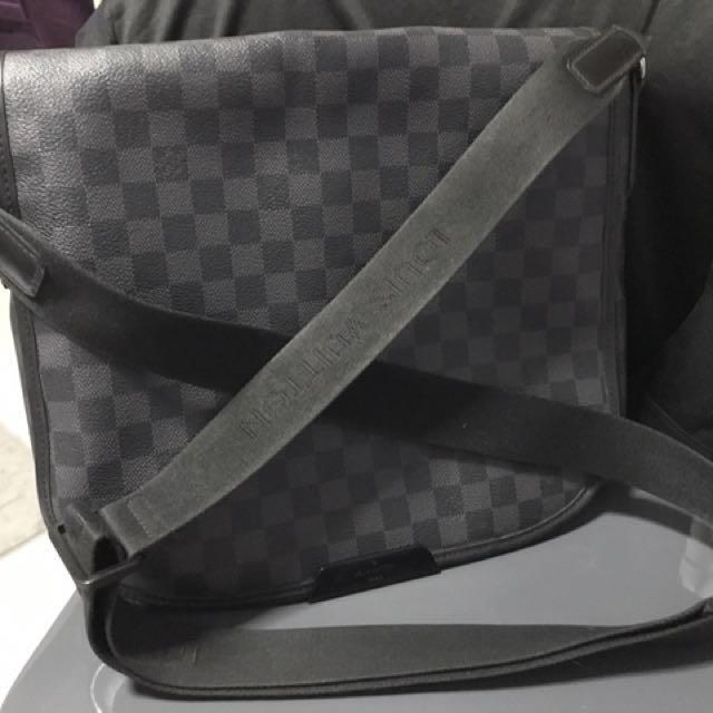 46a50dd3aa7c Louis Vuitton Damier Graphite Daniel MM N58029 Men s Shoulder Bag ...