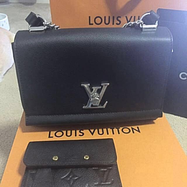 Louis Vuitton LOCKME II BB