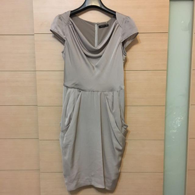 MOMA緞面洋裝