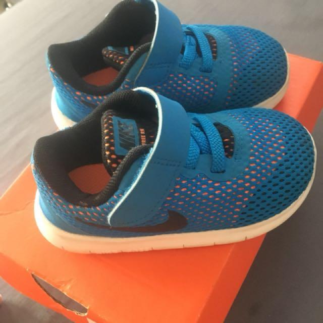 Nike Free RN preloved