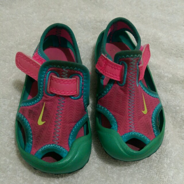 Nike sandals repriced