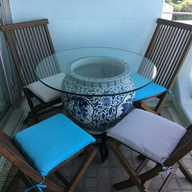Outdoor teak and cushions