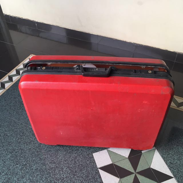 Red Vintage Leather Luggage (Size XL)