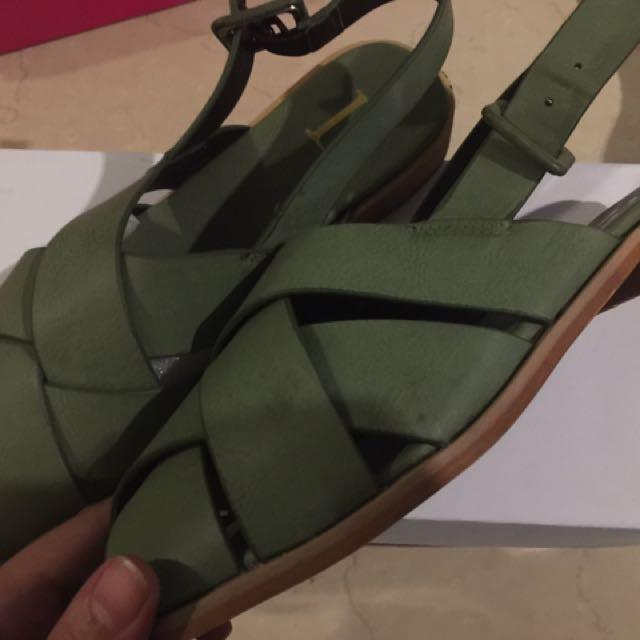Sandal berrybenka new jual rugi