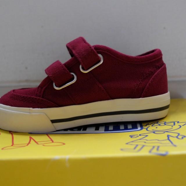 Sepatu ( Smart fit)