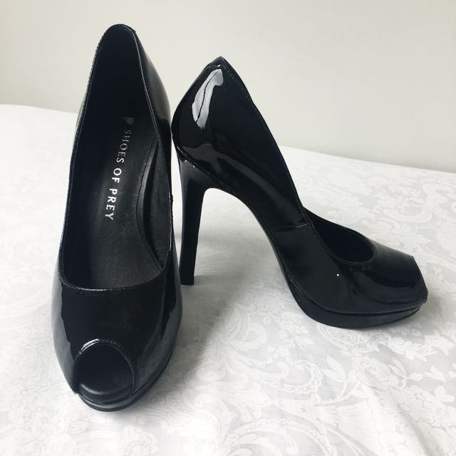 SHOES OF PREY Size EU 33.5 / US 4 Peep Toe Heels in Black in Patent Leather