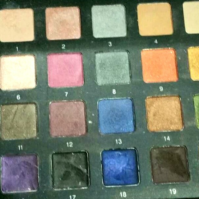 "SMASHBOX ""CLICK YOU'RE IT"" PALETTE"