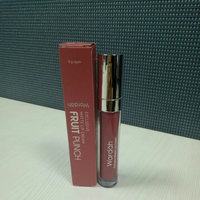 Wardah exclusive lip cream matte fruit punch