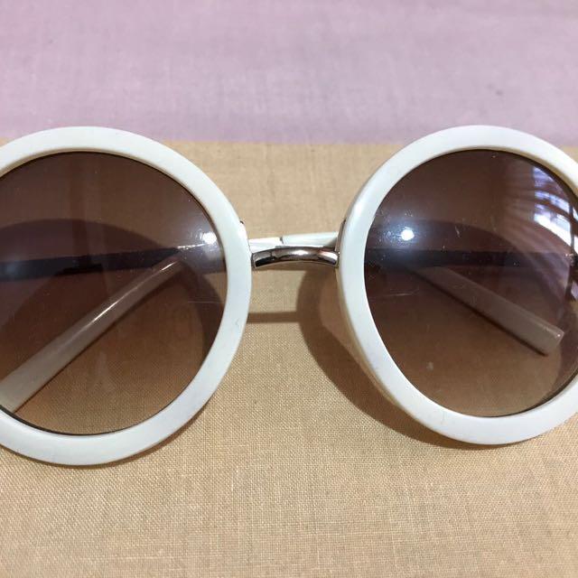 White round shades