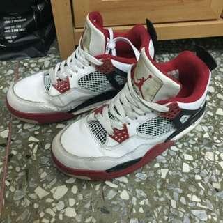 Jordan4紅牛