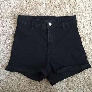 H&M shorts size 6 (2 colours)