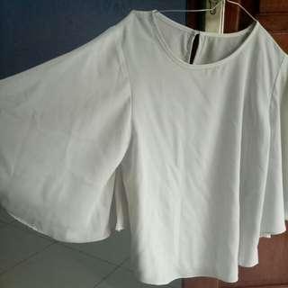 Baju putih kalong